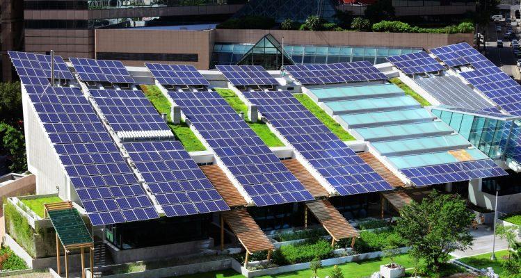 Il ruolo delle comunità energetiche e l'autoconsumo collettivo per lo sviluppo delle energie rinnovabili in Italia